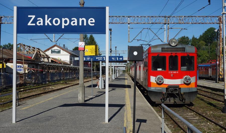 Linia kolejowa Kraków – Zakopane ponownie otwarta. Jaki będzie czas przejazdu?