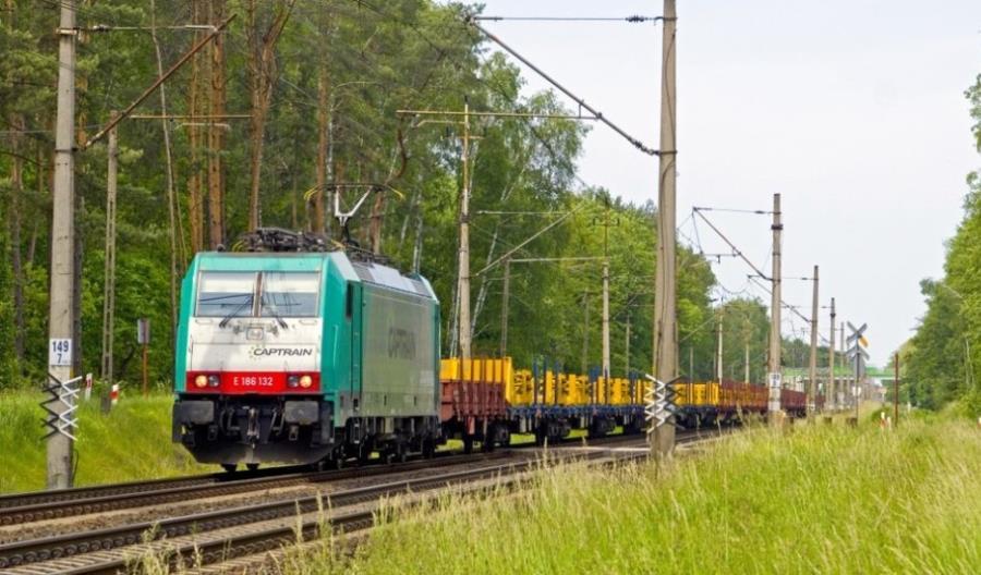 Zmiana struktury przewozów kolejowych. Mniej ładunków masowych, więcej kontenerów