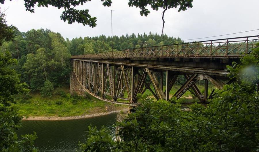Wiceminister kultury potwierdza zamiar wysadzenia… części mostu w Pilchowicach