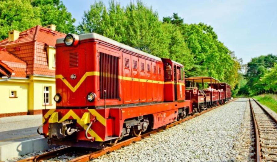 Pocztówka z wakacji Polregio – TOP 7 wąskotorówek, do których można dotrzeć pociągami