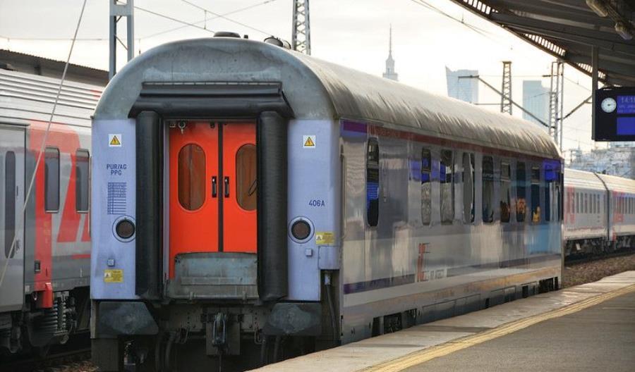 Miejscówki do biletów okresowych PKP Intercity dostępne przez aplikację