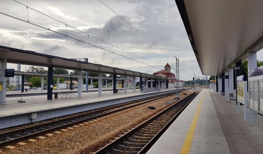 Warszawa: Wracają pociągi do Otwocka, zaczynają się utrudnienia w Rembertowie