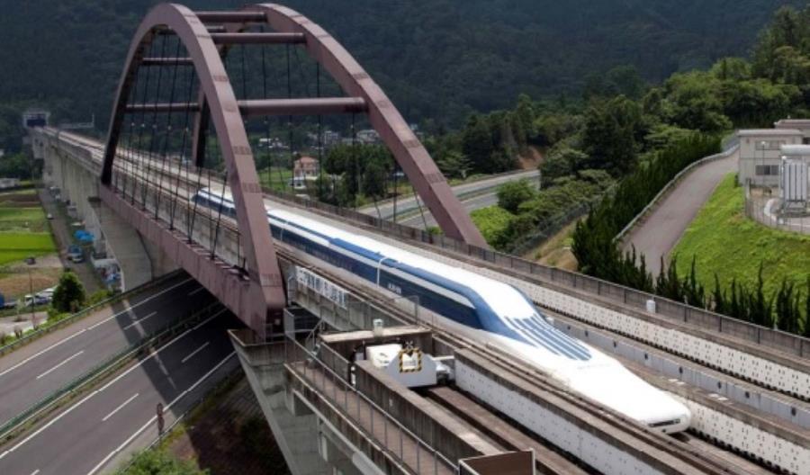 Koleje Japońskie rozpoczęły jazdy testowe nowego pociągu kolei magnetycznej