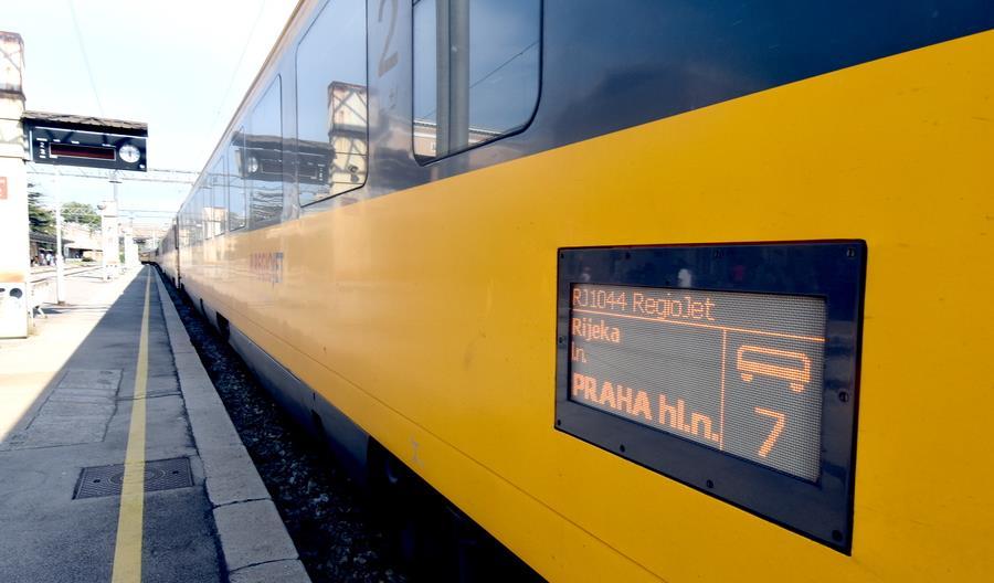 Prywatni czescy przewoźnicy kolejowi obniżają ceny biletów