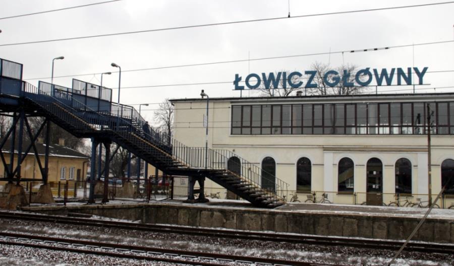 Rośnie opóźnienie modernizacji E20. Kolejne utrudnienia na linii Łódź – Łowicz