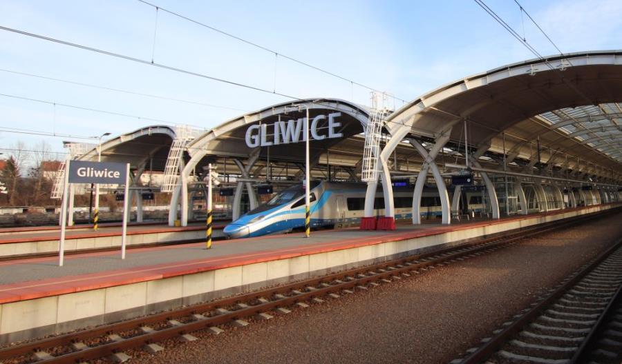 Bittel: Nowy system sprzedaży biletów ułatwi dostęp do kolei