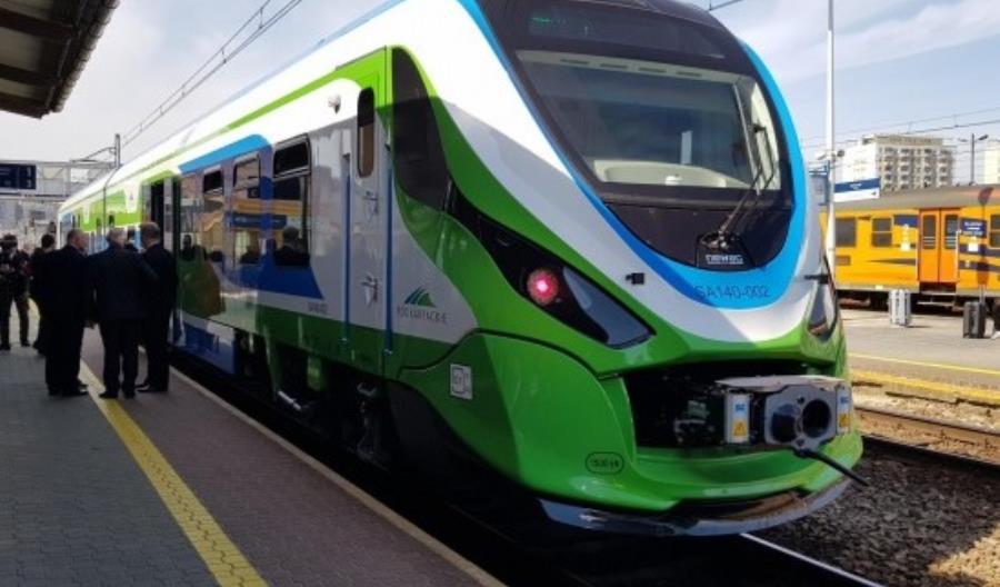 Newag dostarczył dwa spalinowe zespoły trakcyjne 222Ma na Podkarpacie
