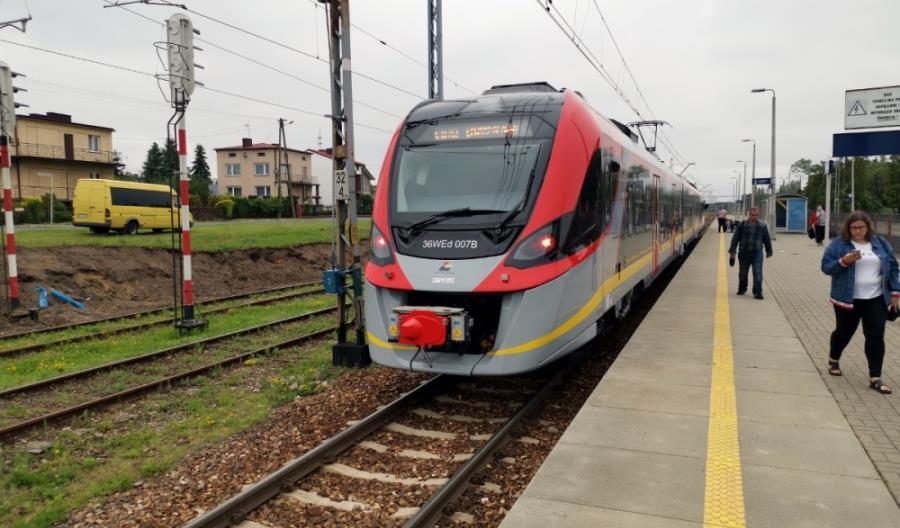 Łowicz: Autobusy w stronę Łodzi do połowy 2021 r., prace na E20 jeszcze przez dwa lata