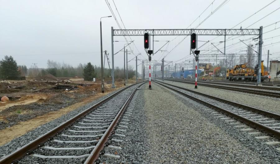 Transprojekt Gdański zaprojektuje podbicie torów na CMK do 250 km/h
