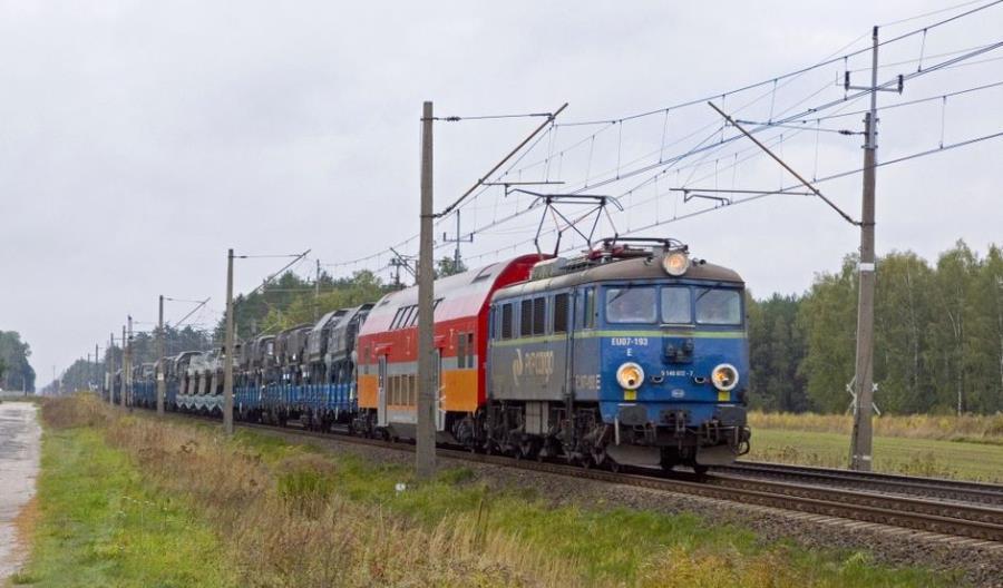 Miliard złotych dla PKP Cargo od wojska