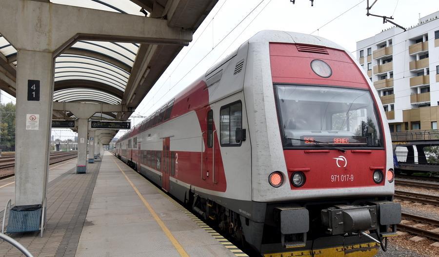 Koleje Słowackie odwołują pociągi. Maszyniści i konduktorzy z koronawirusem lub na kwarantannie
