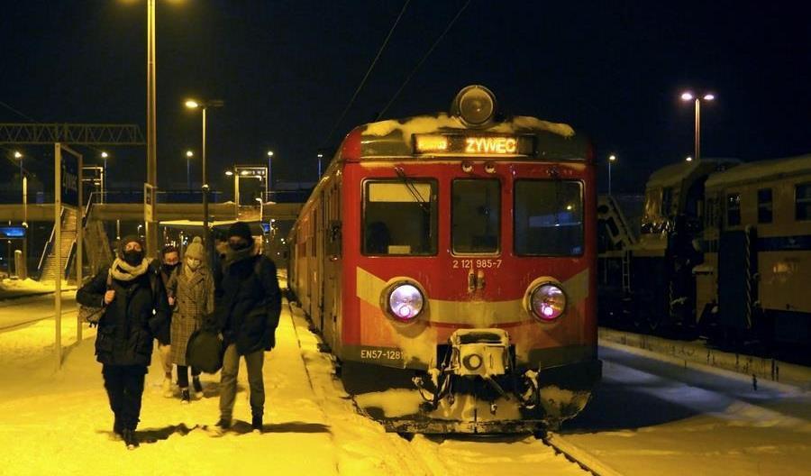 Niezła frekwencja w weekendowych pociągach Żywiec – Kraków