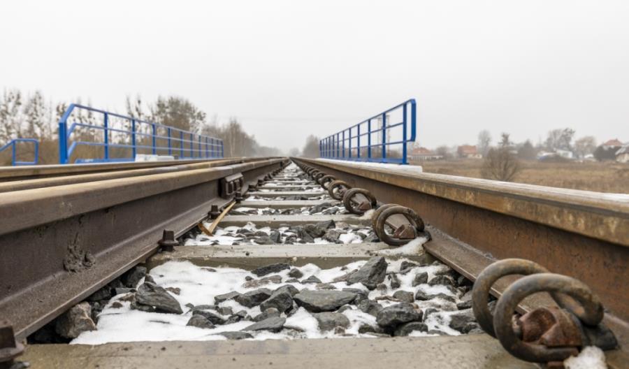 Kolejny przetarg na przełożenie torów na linii 207. Czy uda się ją ożywić w 2021 roku?