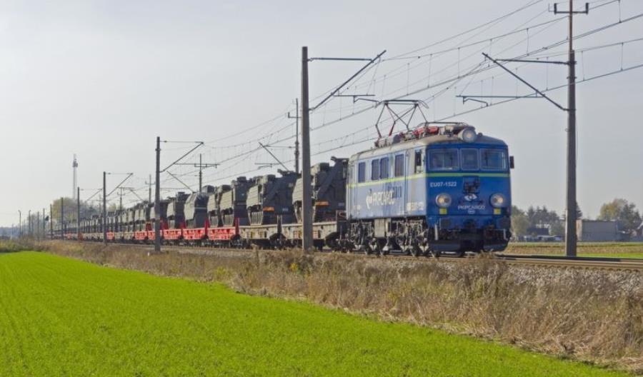 Ogromny kontrakt na przewozy dla wojska jednak dla PKP Cargo – bez przetargu