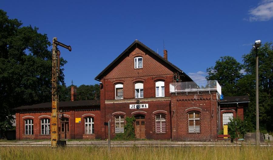 Opolskie: Po wyremontowanej linii do Murowa nie jeżdżą pociągi