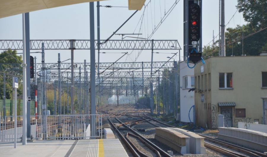 Warszawa Włochy: PLK zamontuje tłumiki. Będzie ciszej