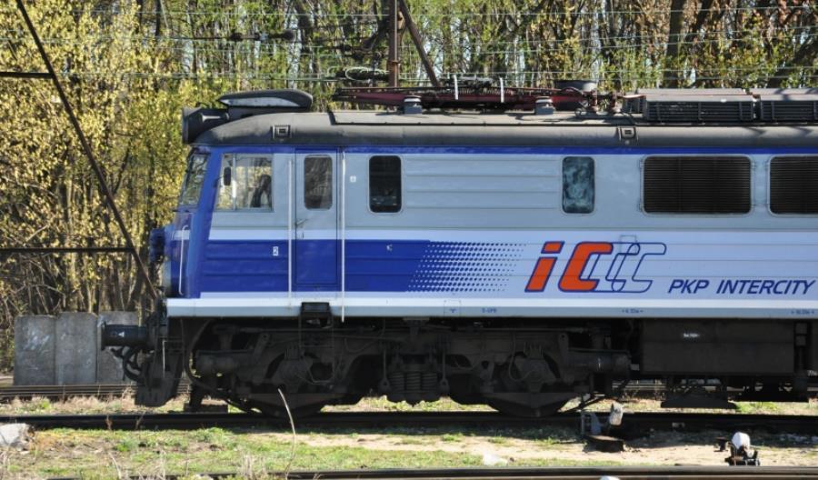 PKP Intercity sprzedaje 10 starych lokomotyw elektrycznych