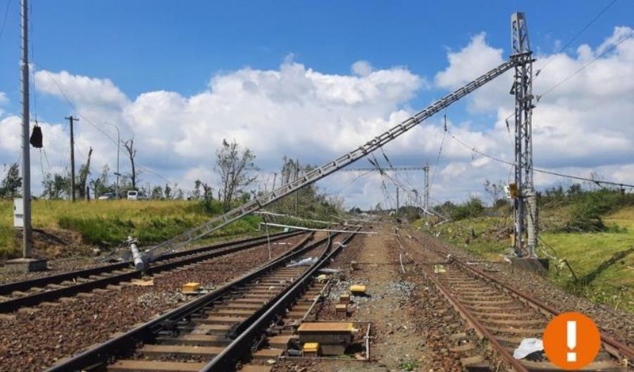 Tornado w Czechach. Udrożniono szlak kolejowy dla pociągów międzynarodowych i ekspresów
