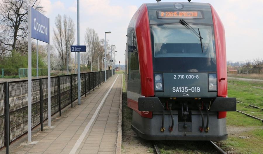 MI: Nie uruchomimy pociągów dalekobieżnych przez Opoczno i Końskie