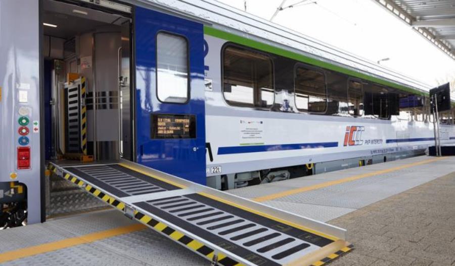 30 wagonów Combo już w taborze PKP Intercity