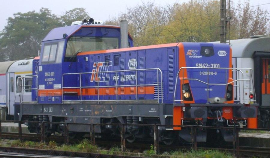 PKP Intercity zleci naprawę P4 zmodernizowanych lokomotyw SM42