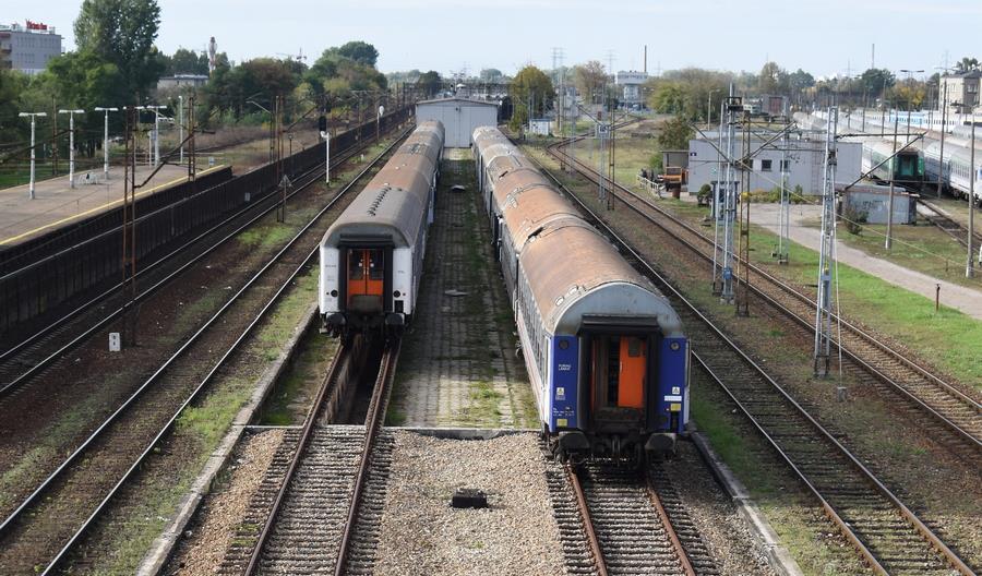 PKP Intercity znów szuka kupców na 38 wagonów