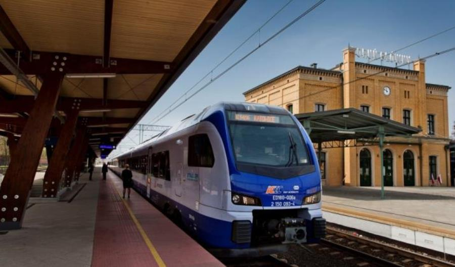 Koniec miejscówek za złotówkę do biletów okresowych w PKP Intercity