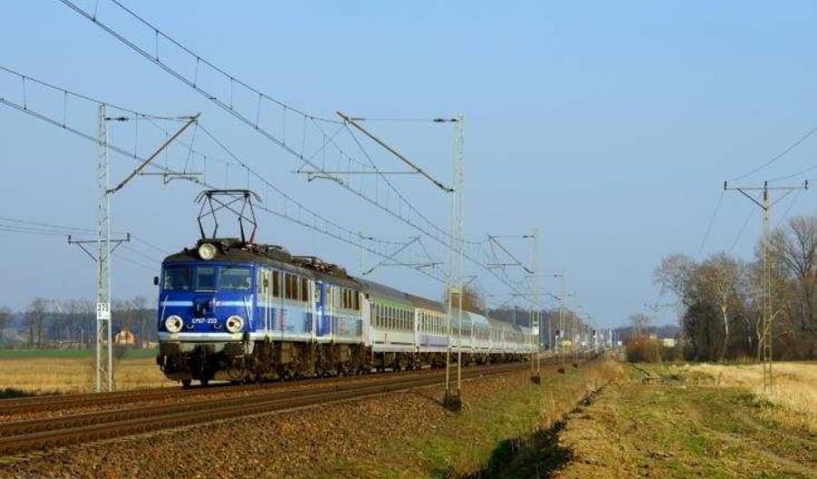 Przyżycki: Nie mnożyć nadmiernie zadań na linii do Lublina
