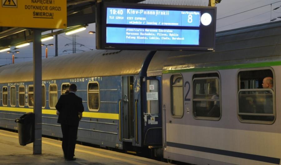 Tańsze bilety Kijów – Warszawa i dwukrotnie więcej pasażerów