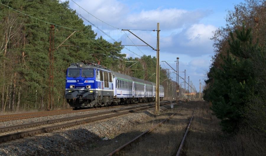 Newag będzie serwisował 9 lokomotyw PKP Intercity