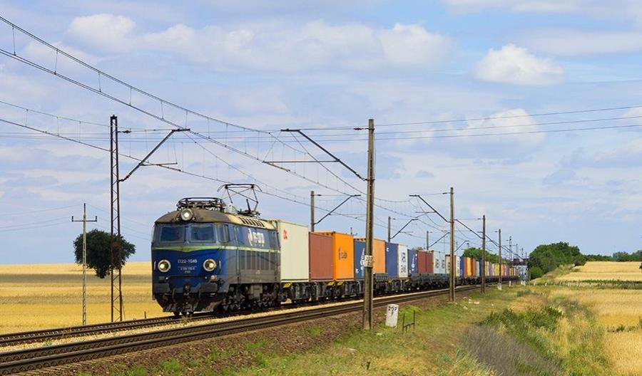 Zmiany przepisów kolejowych wracają do komisji