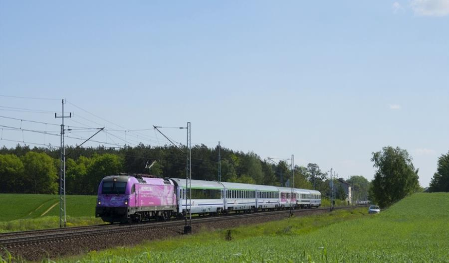 Dlaczego PKP Intercity nie chce kupować lokomotyw na 200 km/h?