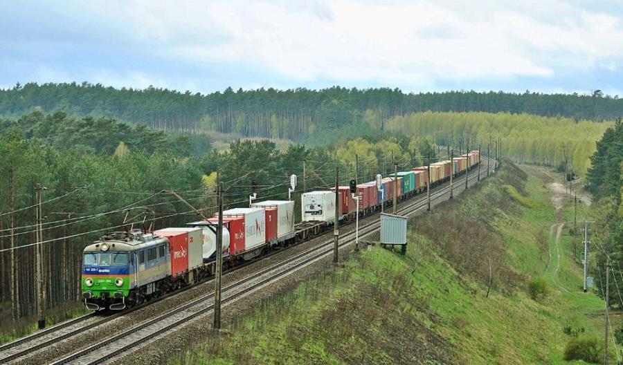 Kolejne wzrosty w przewozach intermodalnych. Liderem PKP Cargo