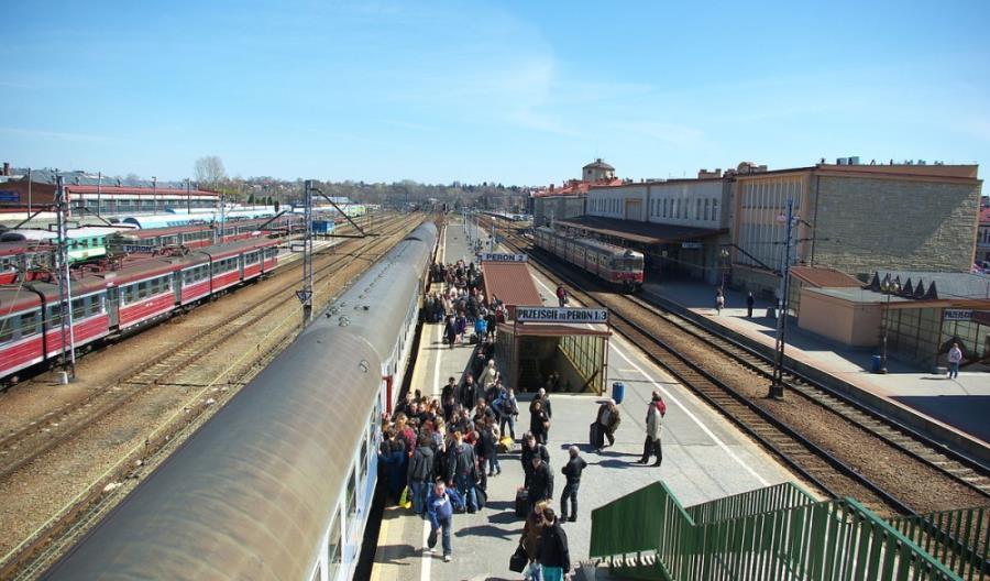 PLK przebudują stację Rzeszów Główny. Pojawią się też nowe perony