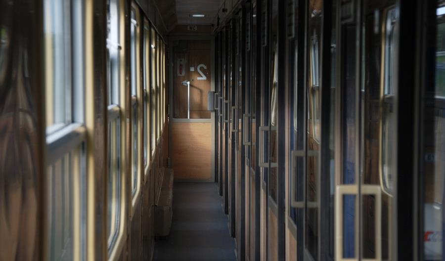 Wagon Opole z umową na przeglądy z naprawami 104 wagonów PKP Intercity