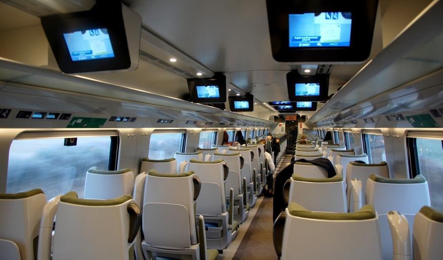 Liroy broni pasażerów, którzy nie mogli pojechać Pendolino