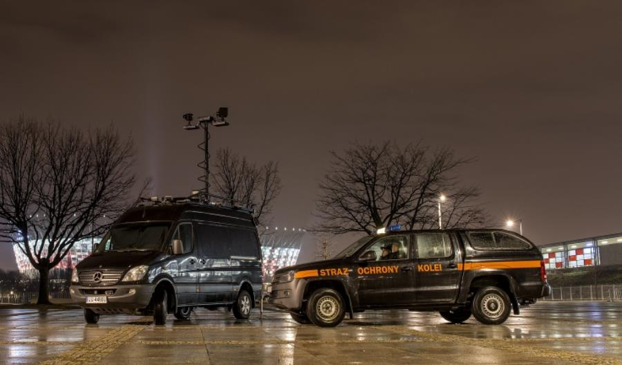 Dworzec w Kutnie areną walki między kibolami Legii a policją
