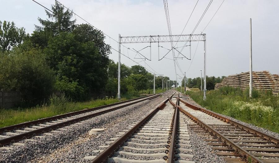 Nowe perony i sieć trakcyjna między Lublinem a Kraśnikiem