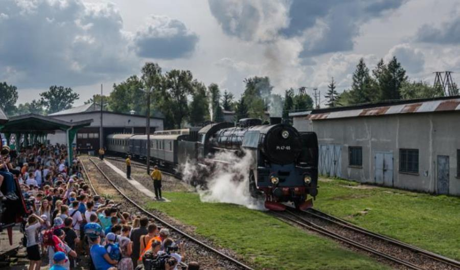 """PKP Cargo zaprasza na """"Parowozjadę"""" na 100-lecie niepodległości"""