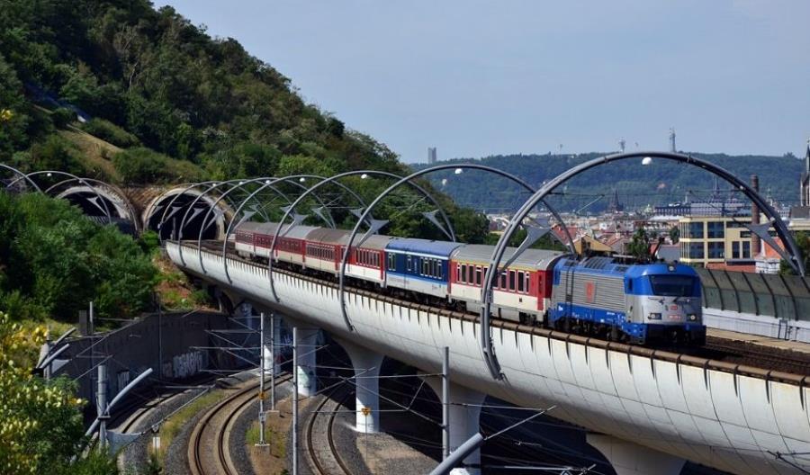 Liberalizacja w Czechach częściowo wstrzymana. Dziesięcioletnie kontrakty dla ČD