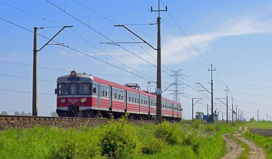 Spadek udziału kolei w Strategii 2030? MI: To prognozy, a nie cele