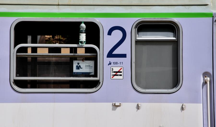Nocny pociąg z Warszawy do Trójmiasta i Kołobrzegu pojedzie latem trasą objazdową
