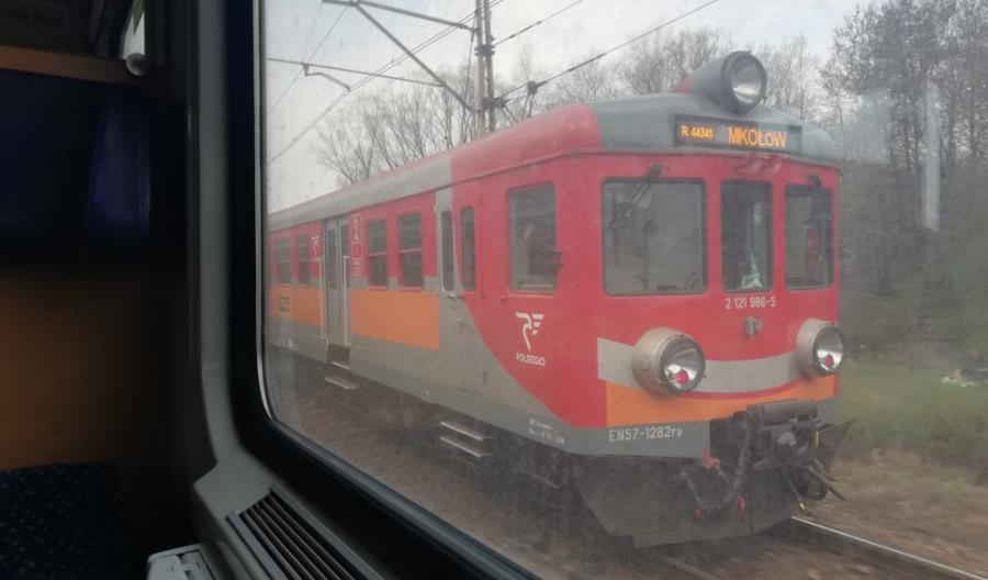 Ostatni EN57 w Kolejach Śląskich. Ile Elfów 2 dotarło do przewoźnika?