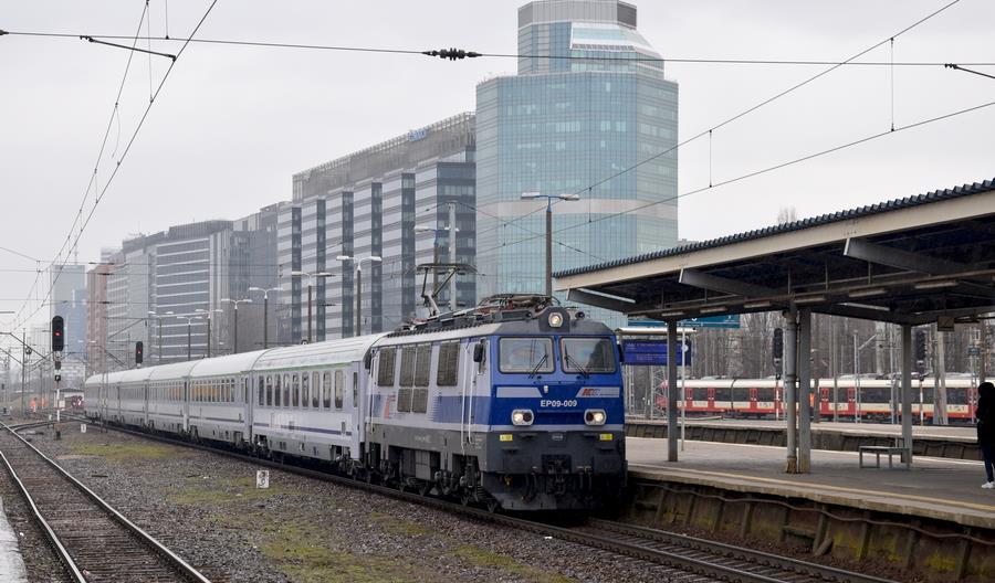 """Pociąg opóźniony do 6 minut jest """"o czasie"""". Nowe statystyki opóźnień za pierwszy kwartał"""