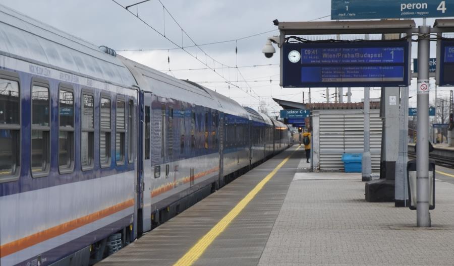 Resort Infrastruktury: Był pomysł na pociąg z Polski nad Adriatyk