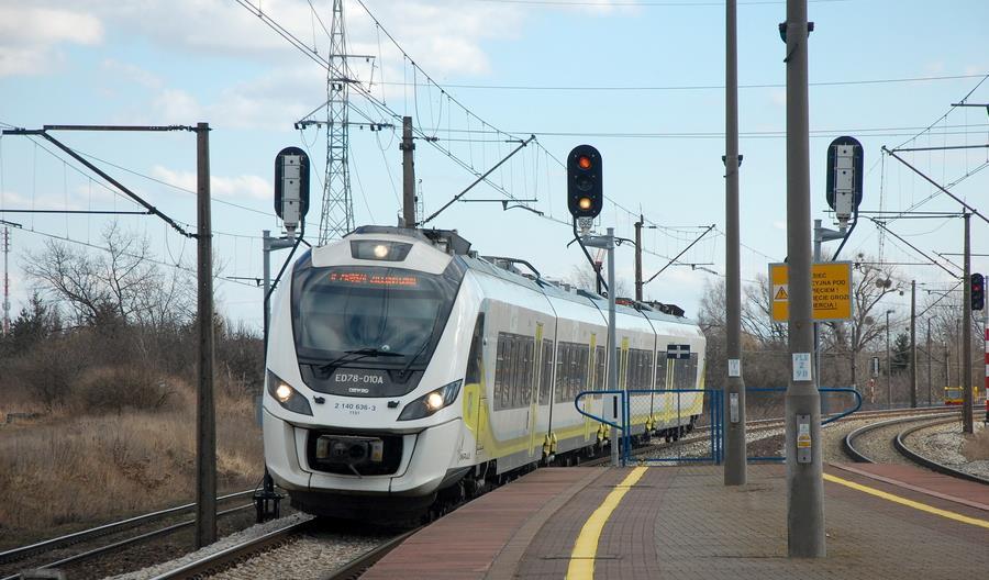 Ile lokomotyw i zespołów trakcyjnych jeżdżących w Polsce posiada ETCS?