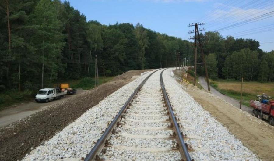 Po otwartej linii Nysa – Opole pociągi wciąż jeżdżą wolno. Kiedy przyspieszą?