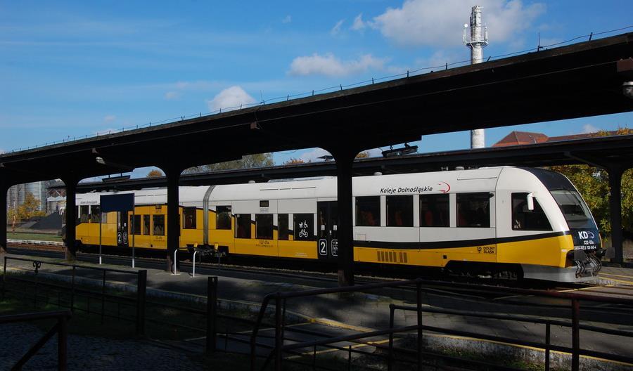 Dolny Śląsk przejął sześć odcinków linii kolejowych od PKP SA