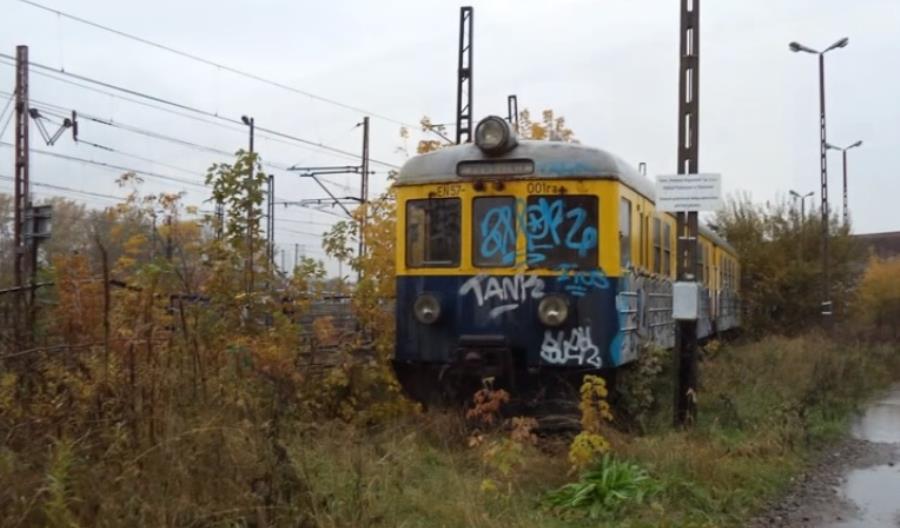 Polregio proponują miłośnikom kolei nową umowę dzierżawy. W cenie remont EN57 001
