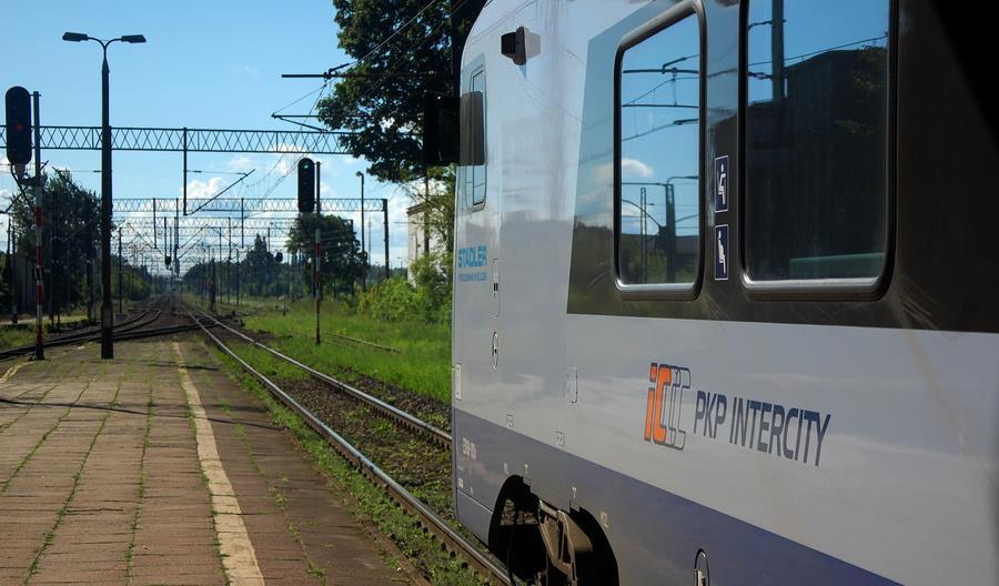 100 milionów osób kupiło bilet PKP Intercity przez internet. Co dalej z systemem e-IC?